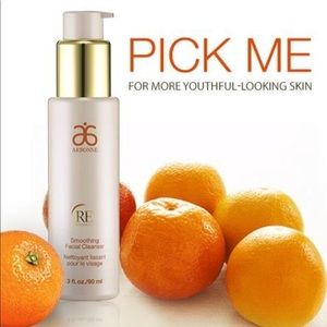Arbonne 🛍Re9 Advanced Smoothing Facial Cleanser👑